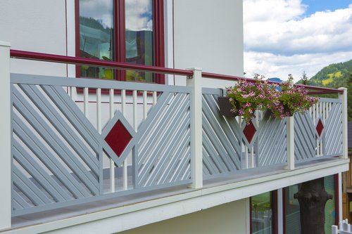 Guardi, balkon, balkonsanierung, balkon günstig, alu balkon, balkongeländer alu,