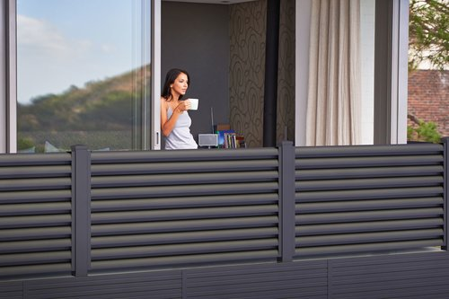 Guardi, balkon, sichtschutz balkone, balkon aus alu, alu balkone, balkonsanierung,
